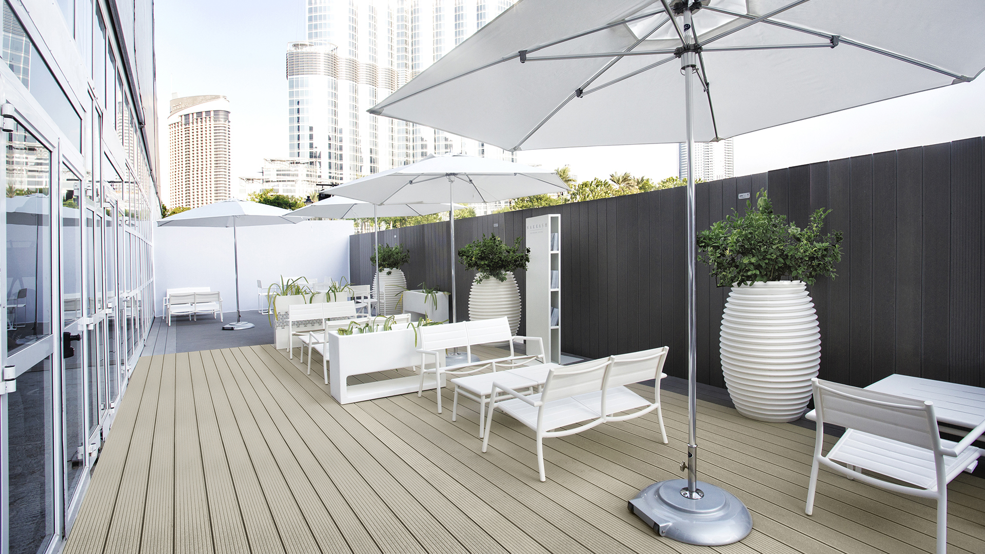 Commercial deck owners | UPM ProFi composite deck for light colour terraces